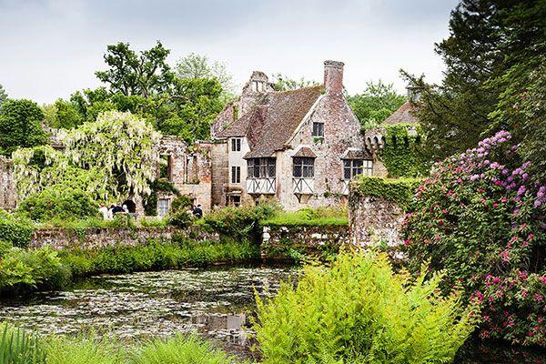 FitzGerald-Photographic_Scotney-Castle_Kent_Wedding_Photographer-(1).jpg